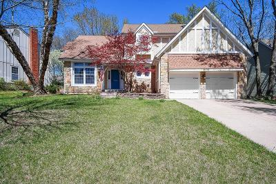 Lenexa Single Family Home For Sale: 8115 Acuff Lane