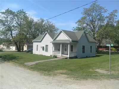 Daviess County Single Family Home For Sale: 200 Elm Street