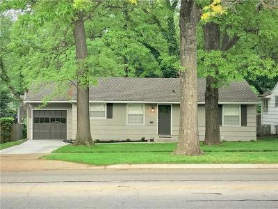 Prairie Village Single Family Home For Sale: 6823 Roe Avenue