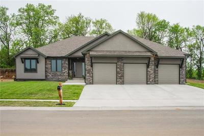 Grain Valley Single Family Home For Sale: 1408 NW Burr Oak Court