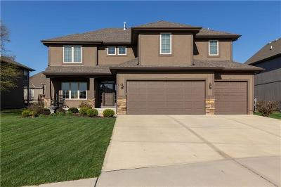 Olathe Single Family Home For Sale: 11438 S Lakecrest Drive