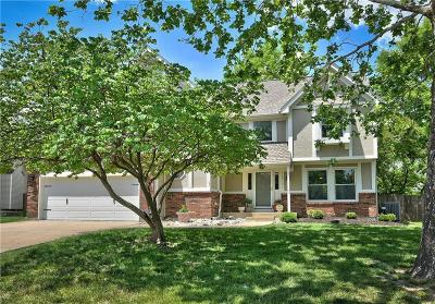 Olathe Single Family Home For Sale: 14310 S Kaw Drive