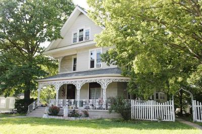 Independence Multi Family Home For Sale: 902 W Maple Avenue