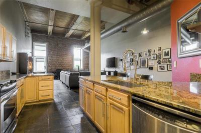 Kansas City Condo/Townhouse For Sale: 609 Central Street #1104