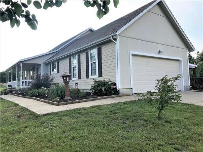 Garden City MO Single Family Home For Sale: $259,900