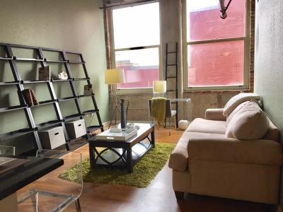 Condo/Townhouse For Sale: 321 W 7th Street #408