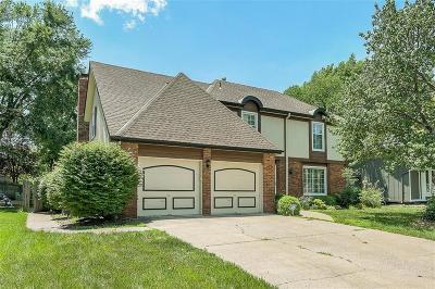 Olathe Single Family Home For Sale: 1709 E Stagecoach Drive