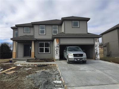 Kansas City Single Family Home For Sale: 1304 N 133rd Terrace