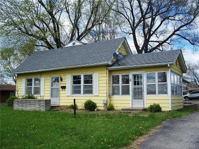 Knob Noster Single Family Home For Sale: 704 E McPherson Street