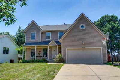 Lenexa Single Family Home For Sale: 11012 Cottonwood Street
