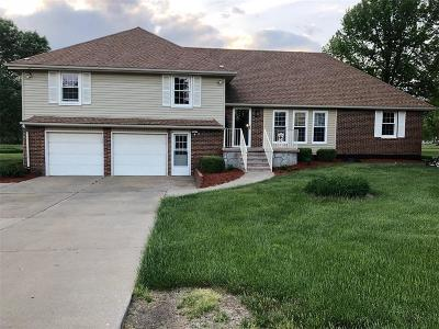 Pettis County Single Family Home For Sale: 5030 Dogwood Circle