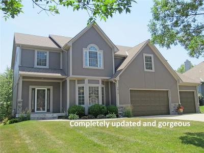 Lee's Summit Single Family Home For Sale: 2413 SW Winteroak Court