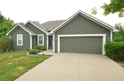 Platte County Single Family Home For Sale: 15855 Meadow Court