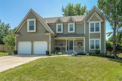 Overland Park Single Family Home For Sale: 12908 Garnett Lane
