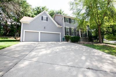 Lenexa Single Family Home For Sale: 13938 W 76th Circle