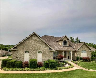 Platte County Single Family Home For Sale: 10425 NW River Hills Place
