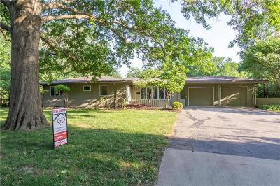 Johnson-KS County Single Family Home For Sale: 8606 Belinder Road