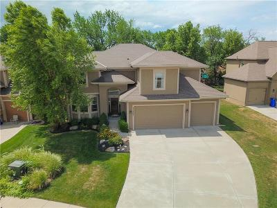 Olathe Single Family Home For Sale: 11460 S Lakecrest Drive