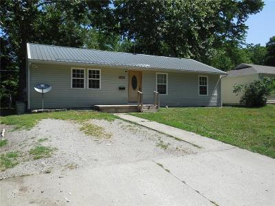 Pettis County Single Family Home For Sale: 2508 N Woodlawn Drive
