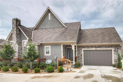 Leawood Condo/Townhouse For Sale: 14745 Meadow Lane