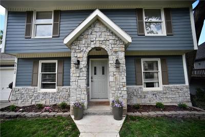 Kansas City MO Single Family Home For Sale: $260,000