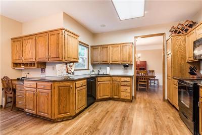 Lenexa Single Family Home For Sale: 13929 W 76th Circle