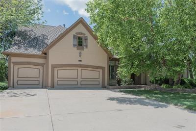 Parkville Single Family Home For Sale: 5704 Spinnaker Point