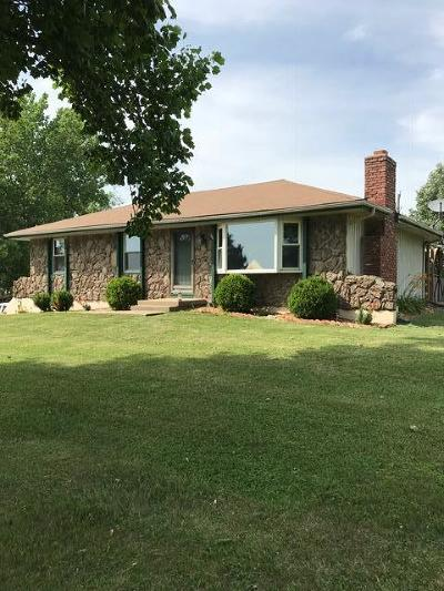 Garden City MO Single Family Home For Sale: $237,000