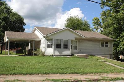 Atchison Single Family Home For Sale: 611 Q Street