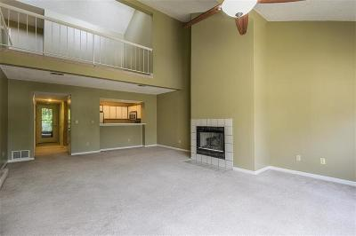 Mission, Overland Park, Shawnee, Shawnee Mission Condo/Townhouse For Sale: 8864 W 106th Terrace