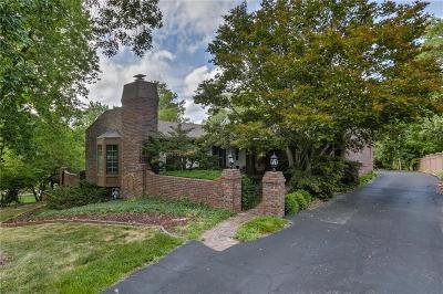 Single Family Home For Sale: 5606 NW Oak Ridge Court