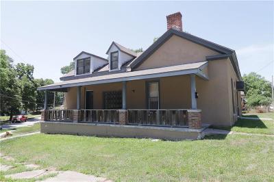 Liberty Multi Family Home For Sale: 305 W Kansas Street