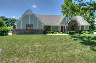 Jackson County, Johnson-KS County Single Family Home For Sale: 3022 S Victoria Lane
