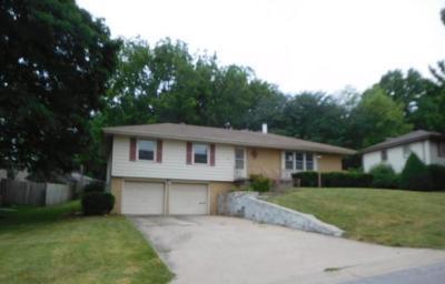 Merriam Single Family Home For Sale: 6630 Mastin Drive