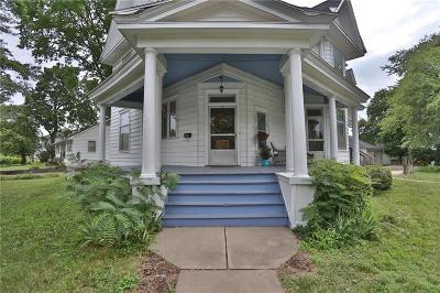 Butler Single Family Home For Sale: 301 N Delaware Street