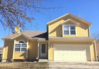 Basehor Single Family Home For Sale: 15585 Crestwood Drive