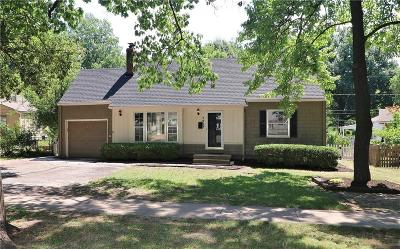 Single Family Home For Sale: 7211 Roe Avenue