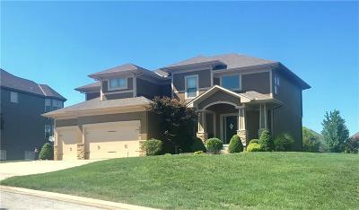 Lee's Summit Single Family Home For Sale: 2704 NW Olmstead Drive