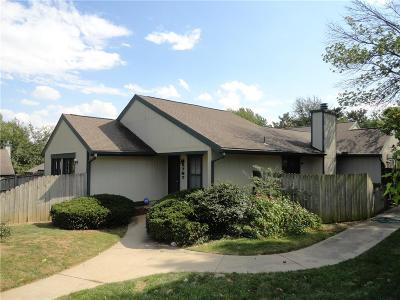 Platte County Condo/Townhouse For Sale: 4727 Cliff Hill Circle