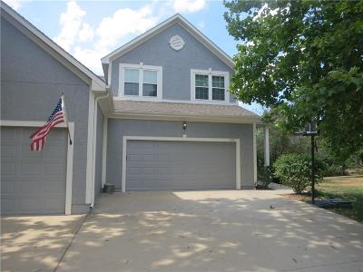 Mission, Overland Park, Shawnee, Shawnee Mission Condo/Townhouse Show For Backups: 7319 Silverheel Street