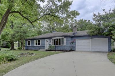Overland Park Single Family Home For Sale: 10414 Woodson Drive