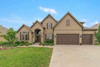 Overland Park Single Family Home For Sale: 15813 Howe Street