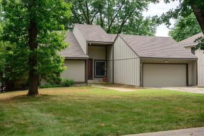 Lenexa Single Family Home For Sale: 14717 W 90th Terrace