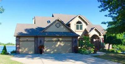 Basehor Single Family Home For Sale: 15671 Cedar Lane