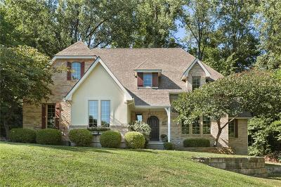 Parkville Single Family Home For Sale: 4923 Riverchase Lane