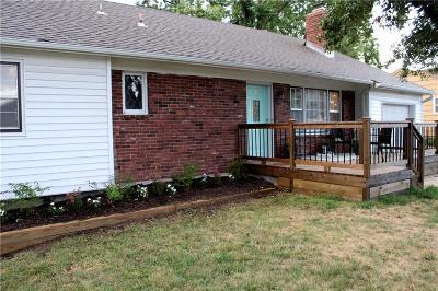 Overland Park Single Family Home For Sale: 8706 Benson Street