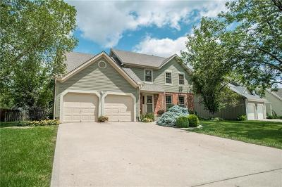 Overland Park Single Family Home For Sale: 15205 Foster Street