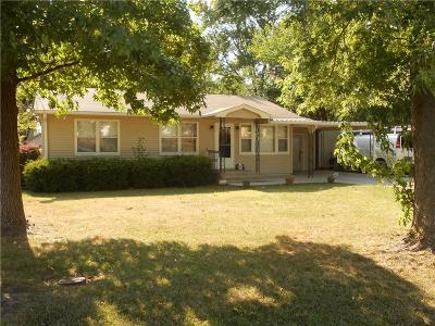 Clinton County Single Family Home For Sale: 614 S Pine Street
