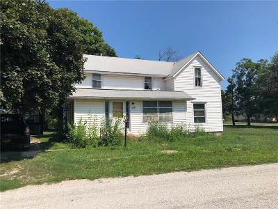 Brown County Single Family Home For Sale: 316 S 4th. Street