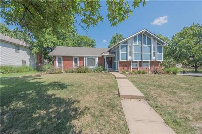 Single Family Home For Sale: 9106 W 92nd Terrace